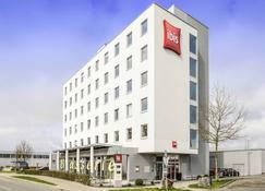 โรงแรมไอบิส สนามบินฟรีดริคส์ฮาเฟิน เมสเซอ - ฟรีดริคฮาเฟน - อาคาร