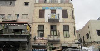 Cairo Hotel - Amman - Building
