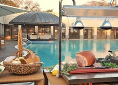 Radisson Blu Hotel, Lusaka - Lusaka - Havuz