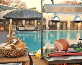 Radisson Blu Hotel, Lusaka - Lusaka - Zwembad
