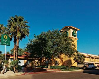 La Quinta Inn by Wyndham Corpus Christi North - Corpus Christi - Building