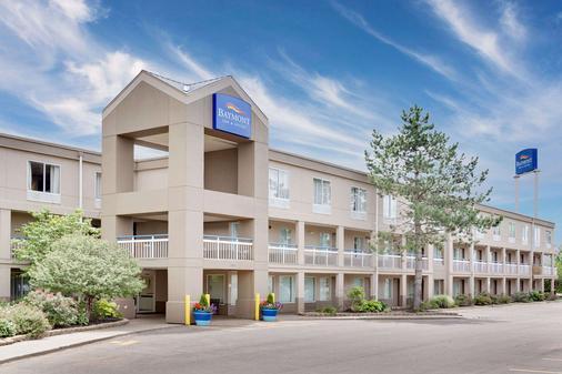 Baymont Inn & Suites Kalamazoo East - Kalamazoo - Toà nhà