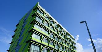 56 Hotel - Kuching - Building