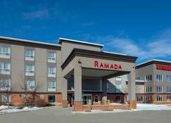 Ramada by Wyndham Cochrane - Cochrane - Edificio