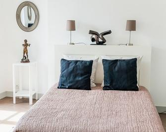 La Maison de Thomas - Blois - Bedroom