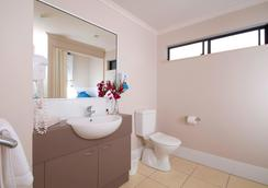 Southern Cross Atrium Apartments - Cairns - Bathroom