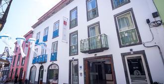Alcides - Ponta Delgada (Açores)
