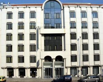 Aparthotel Castelnou - Ghent - Building