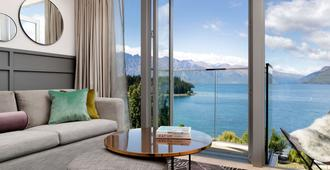 QT Queenstown - Queenstown - Living room