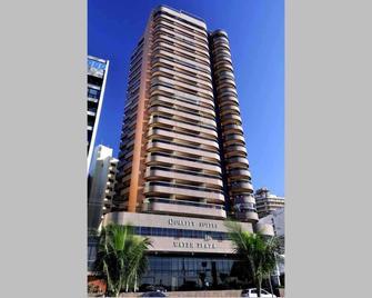 Quality Suites Vila Velha - Vila Velha - Building