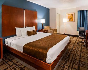 Best Western Plus Richmond Airport Hotel - Sandston - Makuuhuone