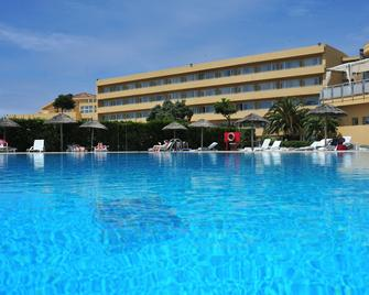 Axis Ofir Beach Resort Hotel - Esposende - Zwembad