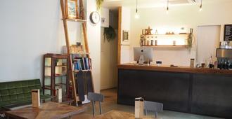 Almond Hostel & Cafe Shibuya - טוקיו - דלפק קבלה