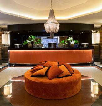 Starhotels Ritz - Milan - Front desk