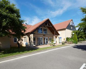 Kyriad Vernon Saint-Marcel - Saint-Marcel - Building