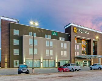 La Quinta Inn & Suites by Wyndham Sweetwater East - Sweetwater - Gebäude