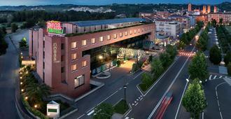 Hotel Ristorante I Castelli - אלבה - בניין