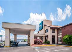 Quality Inn near Potomac Mills - Woodbridge - Rakennus