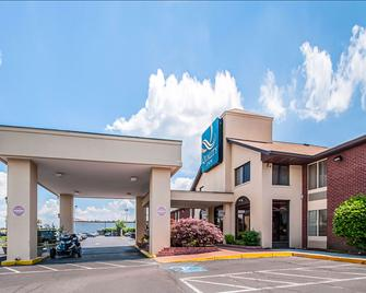 Quality Inn near Potomac Mills - Woodbridge - Building