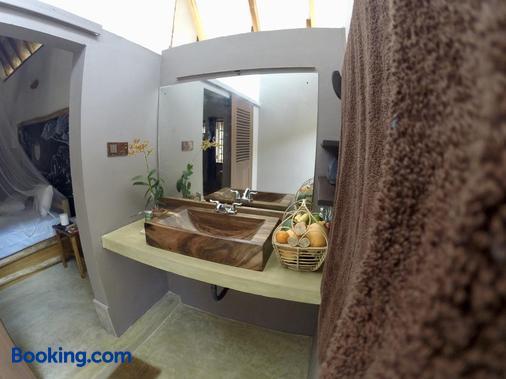 Wind Blend Kite Resort - Kalpitiya - Bathroom