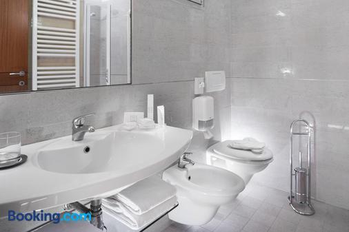Hotel Ascot & Spa - Rimini - Phòng tắm