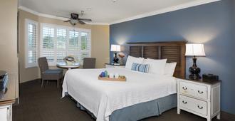 Sand Pebbles Inn - קמבריה - חדר שינה