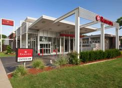 Ramada by Wyndham Rockville Centre - Rockville Centre - Building