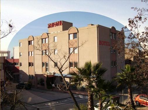 Hotel Triotel - La Valette-du-Var - Building
