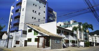 Pousada Chilli Brasil - Ubatuba - Building