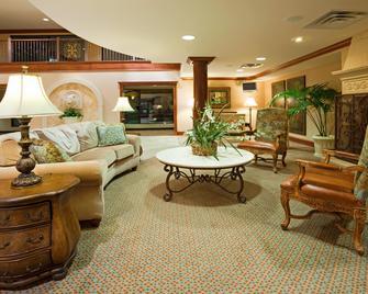 Holiday Inn Hotel & Suites Minneapolis - Lakeville, An IHG Hotel - Lakeville - Лоббі