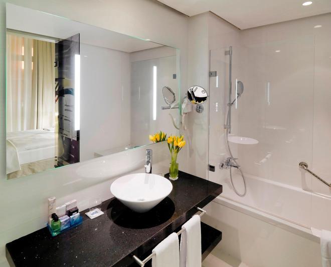 H10 柏林庫丹姆酒店 - 柏林 - 柏林 - 浴室