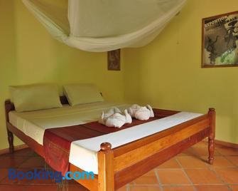 Botanica Guesthouse - Kep - Bedroom