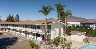Motel 6 San Luis Obispo North - San Luis Obispo - Building