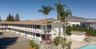 Motel 6 San Luis Obispo North - סן לואיס אוביספו