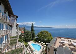 Hotel Savoy Palace - Gardone Riviera - Strand