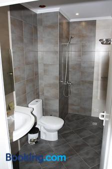 Hotel Milano - Burgas - Bathroom