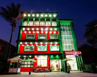 Thiha Bala Hotel - Pyin Oo Lwin - Gebäude
