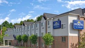 Microtel Inn & Suites by Wyndham Charlotte/University Place - Charlotte - Edificio