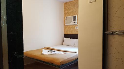 Hotel Al Mehraj - Mumbai - Makuuhuone