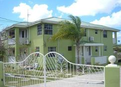 Malfranza Apartments - Bridgetown - Building
