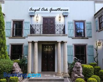 Angel Oak guesthouse - Brits - Edificio
