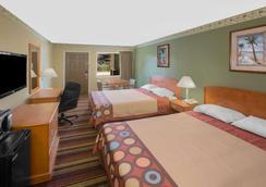 Super 8 by Wyndham Shreveport - Shreveport - Bedroom
