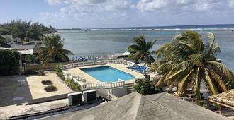 Cariblue Beach Hotel And Scuba Diving Resort - Montego Bay - Πισίνα