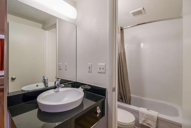 法戈 - 北部 6 號汽車旅館 - 法哥 - 法戈 - 浴室