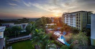 Aston Bogor Hotel and Resort - Bogor - Θέα στην ύπαιθρο