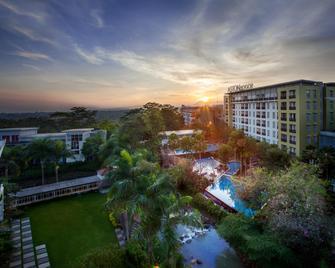 Aston Bogor Hotel and Resort - Kota Bogor - Pemandangan luar