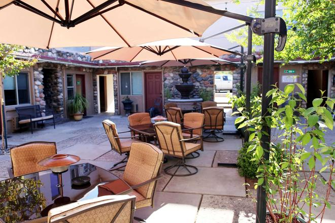 The Iron Horse Inn - Cottonwood - Patio