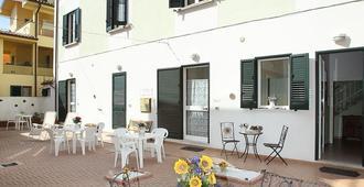 B&B Central Toma - Montecatini Terme - Patio