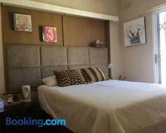 Leo's Den - Fish Hoek - Bedroom