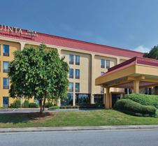 La Quinta Inn & Suites by Wyndham Charleston Riverview